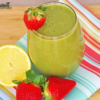Strawberry Lemonade Green Smoothie.