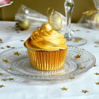 White Chocolate Champagne Cupcakes.