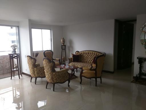 apartamento en arriendo poblado 495-38555