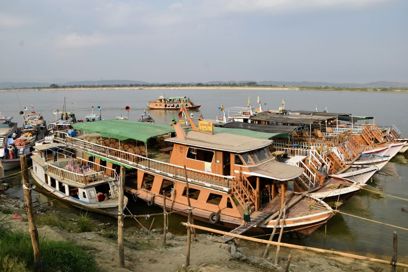 transporte en Myanmar barco