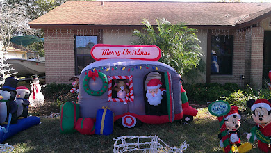 Photo: Christmas yard display my mohther took a picture of in Florida