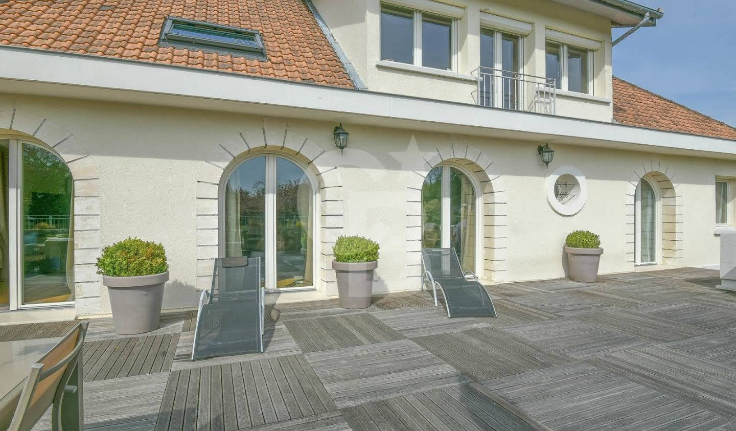 House with pool and terrace Villennes-sur-Seine
