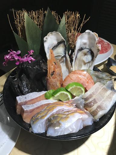 海鮮新鮮肉也很嫩 特殊湯頭也很好喝