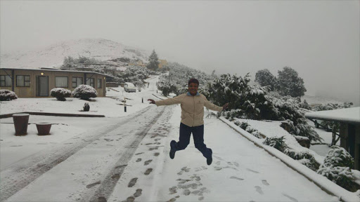 It has been snowing heavily at the Witsieshoek Mountain Lodge in the Free State.