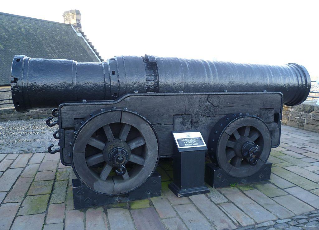 https://upload.wikimedia.org/wikipedia/commons/thumb/2/2f/Mons_Meg_at_Edinburgh_Castle.jpg/1024px-Mons_Meg_at_Edinburgh_Castle.jpg