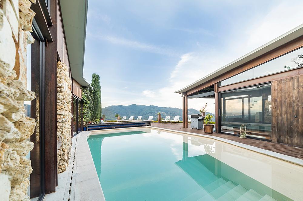 Custom home design idea for swimming pool
