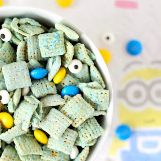 Despicable Me Minions Muddy Buddies.