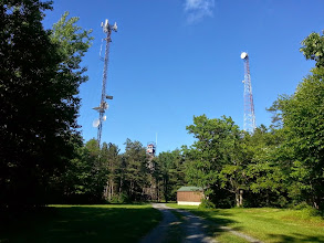 Photo: FN00WA commercial microwave tower site looking E