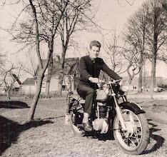Photo: Jans Zandvoort op zijn Horex motor