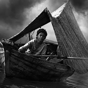Sampan Kajang * BW by Oji Blackwhite - News & Events World Events ( black and white )