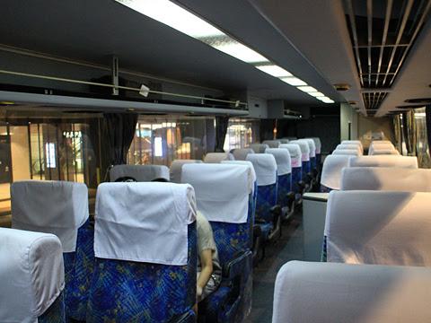 西鉄高速バス「フェニックス号」 9908 車内