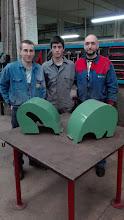Photo: Sergio, Oscar y Jorge con su proyecto de carcasas para tornos