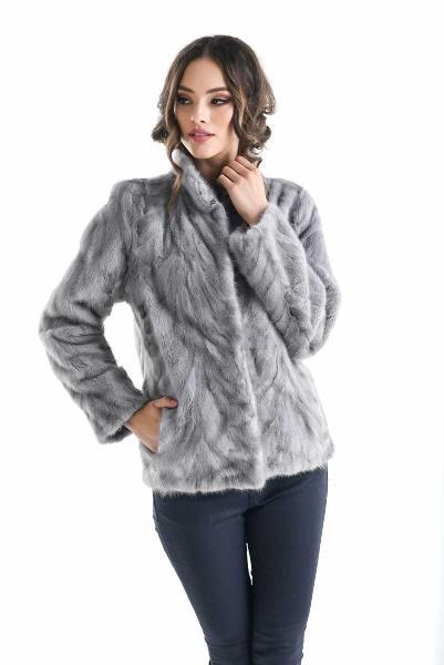 Jacheta pentru femei din blana naturala de nurca, culoare gri, lungime scurta, croi drept si usor cambrat - gasit pe vesa.ro