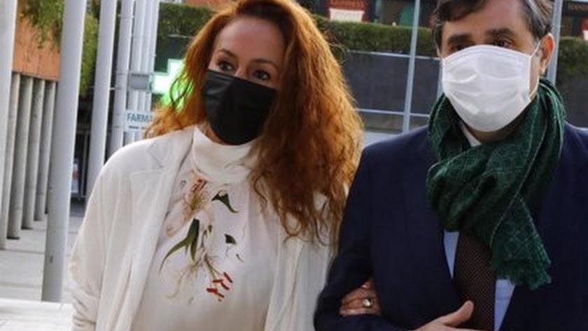 Rocío Carrasco llega a los juzgados.