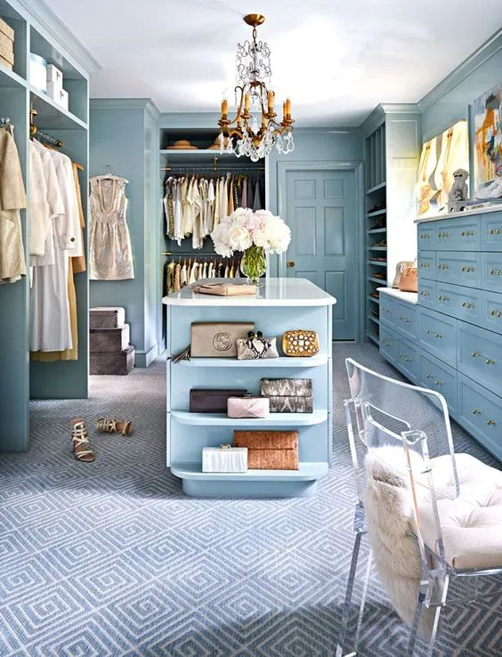 Fancy Walk-in Closet Ideas with On-Trend Teal