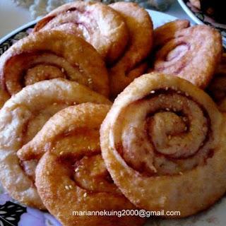 Ham Chi Pang -( Chinese Spiral Doughnut)