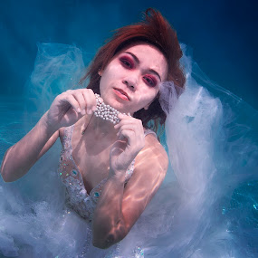How Deep is Your Love by Mark Carreon - People Fashion ( fashion, underwater photography, fashion photography, portraits, women )
