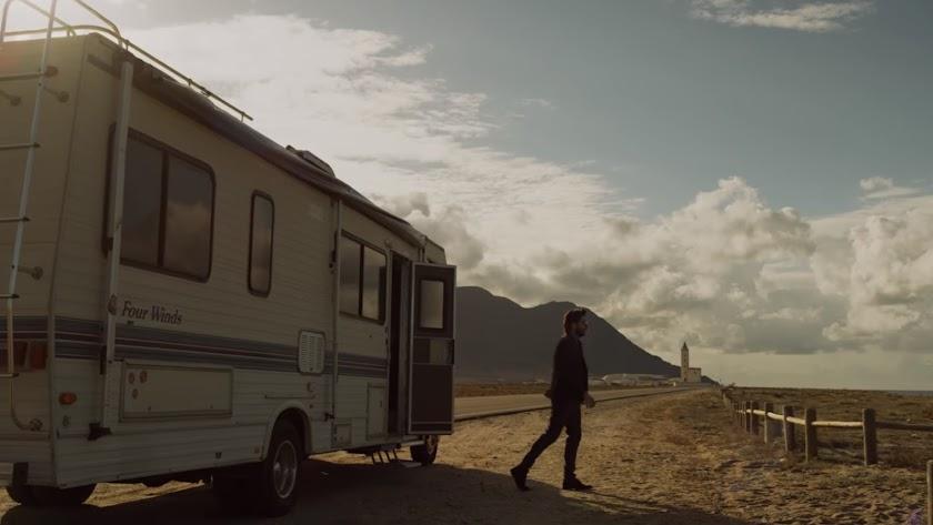 Fotograma del capítulo de \'La casa de papel\' rodado en Cabo de Gata.