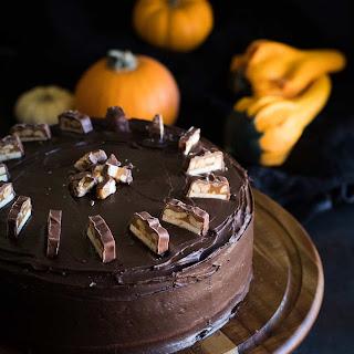 Snickers Cake Recipe