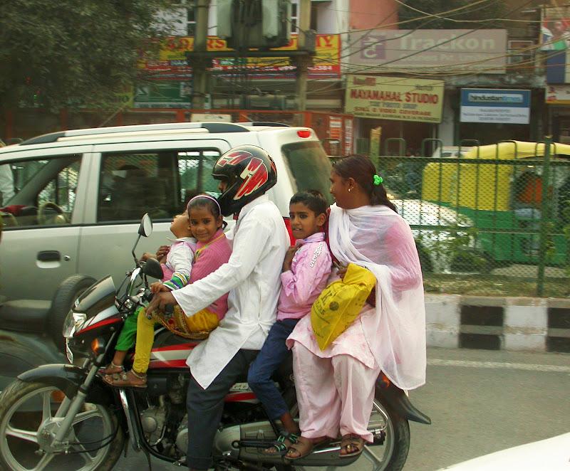 Per le strade di New Delhi di FrancescoPaolo