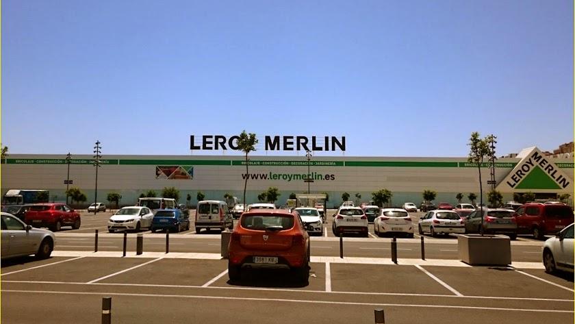 Los centros comerciales han vuelto a abrir a través de sus establecimientos de fuera.