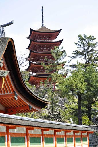 Ponant-Japan-Miyajima2.jpg - Miyajima, a small island in Hiroshima Bay, Japan, is known for its forests and ancient temples.
