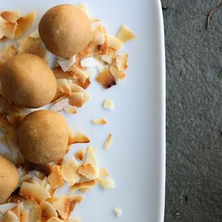 3 Ingredient Peanut Butter Balls with Coconut Flour (Vegan, Gluten-Free)