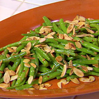 Tangy Almond Garlic String Beans