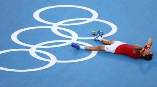 Carreño conquista la medalla de bronce tras ganar a Djokovic