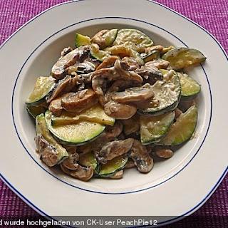 Schnelle Champignon - Zucchini Pfanne