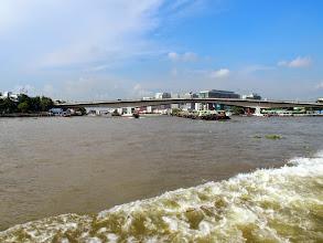 Photo: Fleuve Chao Praya - sur le bateau bus - Bangkok
