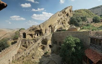 Das Kloster David Gareja wurde Mitte des 6.Jahrhunderts von einem Mönch David gegründet.