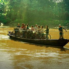 GOOD MORNING BENGAWAN SOLO by Andy Riyanto - Transportation Boats