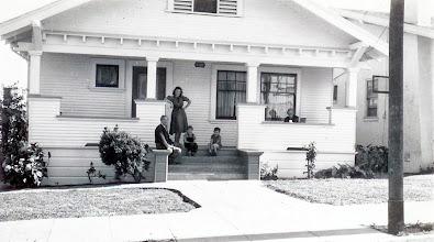 Photo: Isidor Heyman, Mynette Heyman Pound, Clyde Pound, Ernestine Bernstein Heyman