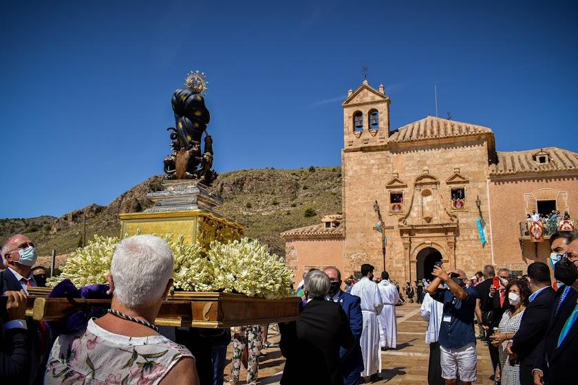 La Pequeñica sale en procesión en su solemnidad litúrgica