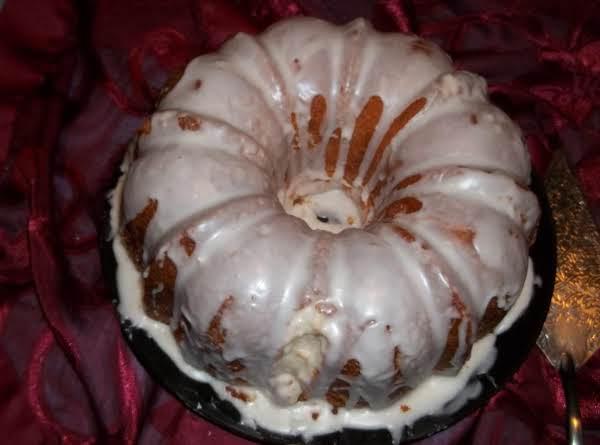 Heavenly Lemon Pound Cake (sallye)