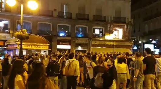 España despide el estado de alarma con fiestas, desalojos y hasta disparos