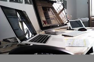 Photo: Dice mi vecino Zapa q si no se me va la cabeza con 3 pantallas a la vez :) #productividad