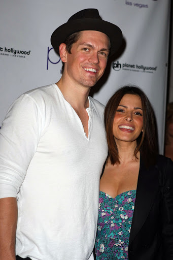 Did Sex/Life Star Sarah Shahi Leave Husband Of 11 Years For Her Huge-D**k Co-Star IRL?!
