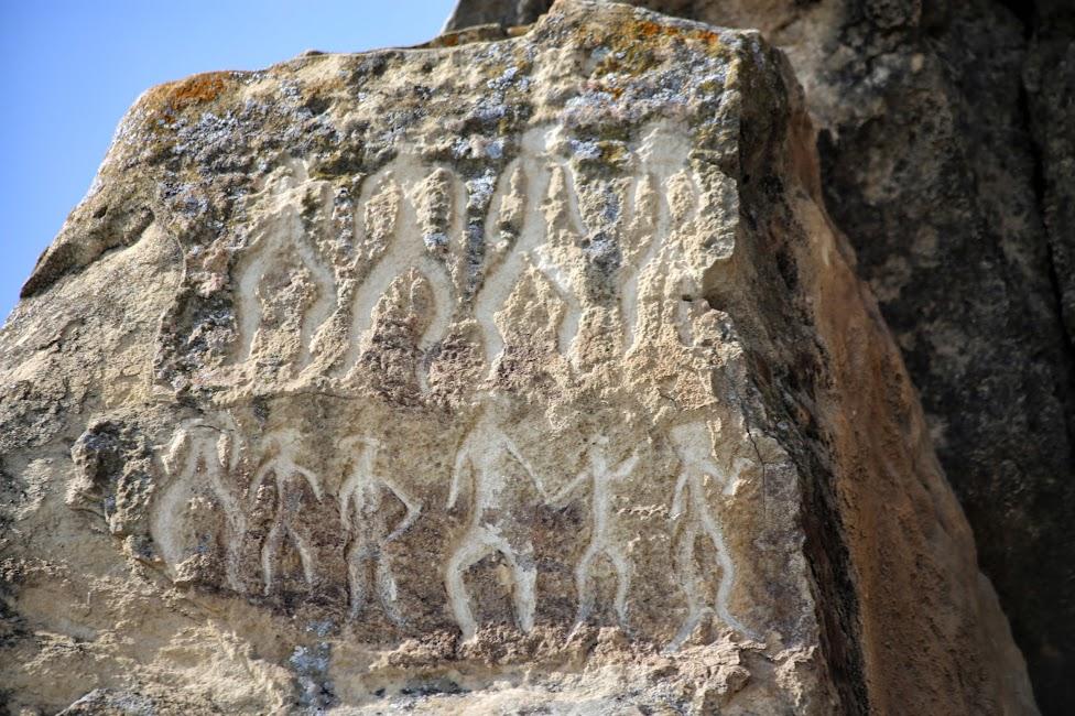 Qobustan, petroglify, tańczący ludzie