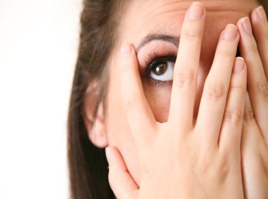 http://4.bp.blogspot.com/-_cZS4tvM34Q/T4r6As0AX3I/AAAAAAAABVI/CH5oQ0AKL8Q/s1600/worried-or-embarrassed-woman-covering-face-peeking-10056970.jpg