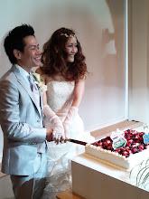Photo: ケーキ乳頭・・・。いやいや、「ケーキ 入刀!」 ・・・もちろん、このあと船頭さんもケーキガブガブ食べました!