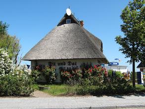 Photo: Orts-Impressionen aus dem Ostseebad Kühlungsborn, siehe auch www.freie-ferienwohnung-kuehlungsborn.de und www.binz-zingst-kuehlungsborn.de .