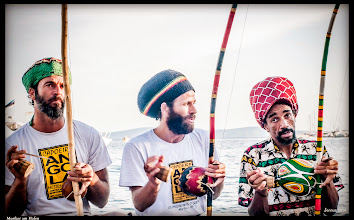 Photo: Musicians at the harbor