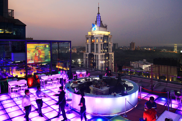 places-no-cover-charge-bangalore_skyye_1