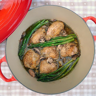 Braised Chicken with Asparagus and Mushrooms