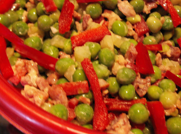 Quick Festive Holiday Green & Red Salad Recipe