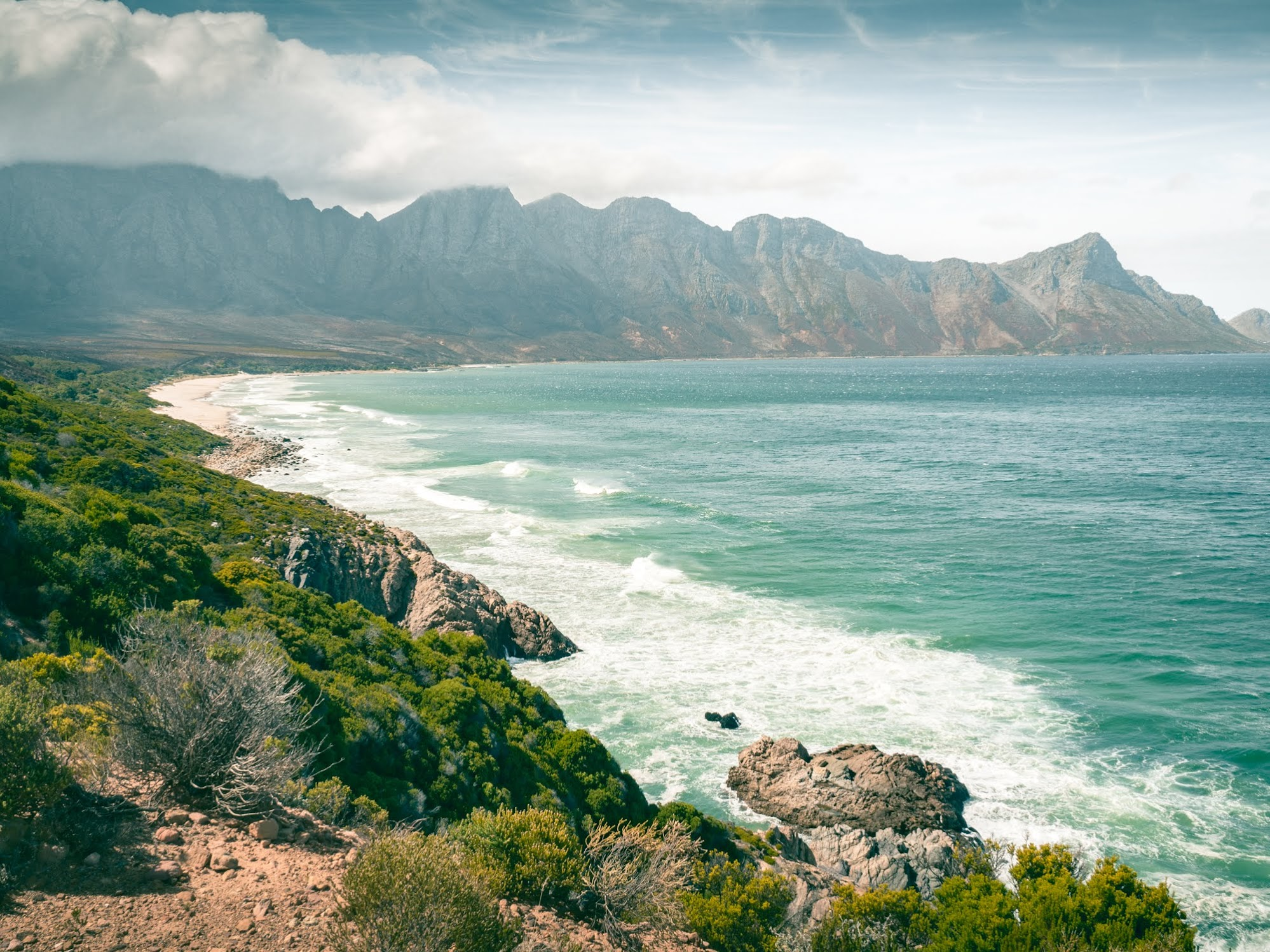 2 weeks South Africa itinerary includes beautiful coastal drives such as this one.