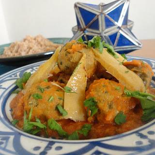 Koirat as-sardin كويرات السردين (Sardine Balls in a Tomato Sauce)