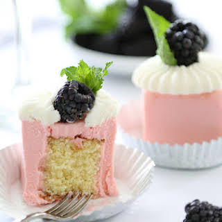 Mini Rosé Wine Toasting Cakes.